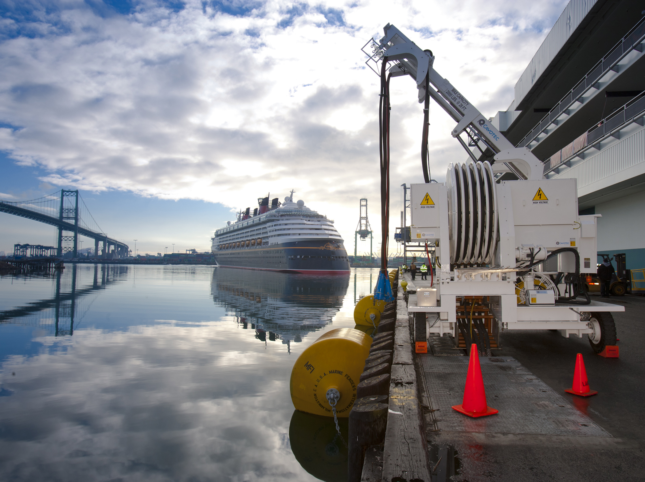 Port Of Los Angeles A Cleaner Port A Brighter Future - San pedro harbor cruise ship schedule